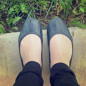 TIEKS-Women size 7-Black Matte